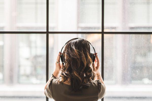Hörverstehen telc B2 als Teil der Musterprüfung